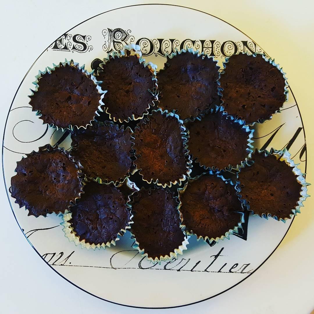 flourless brownie bites by @wellness.with.jess