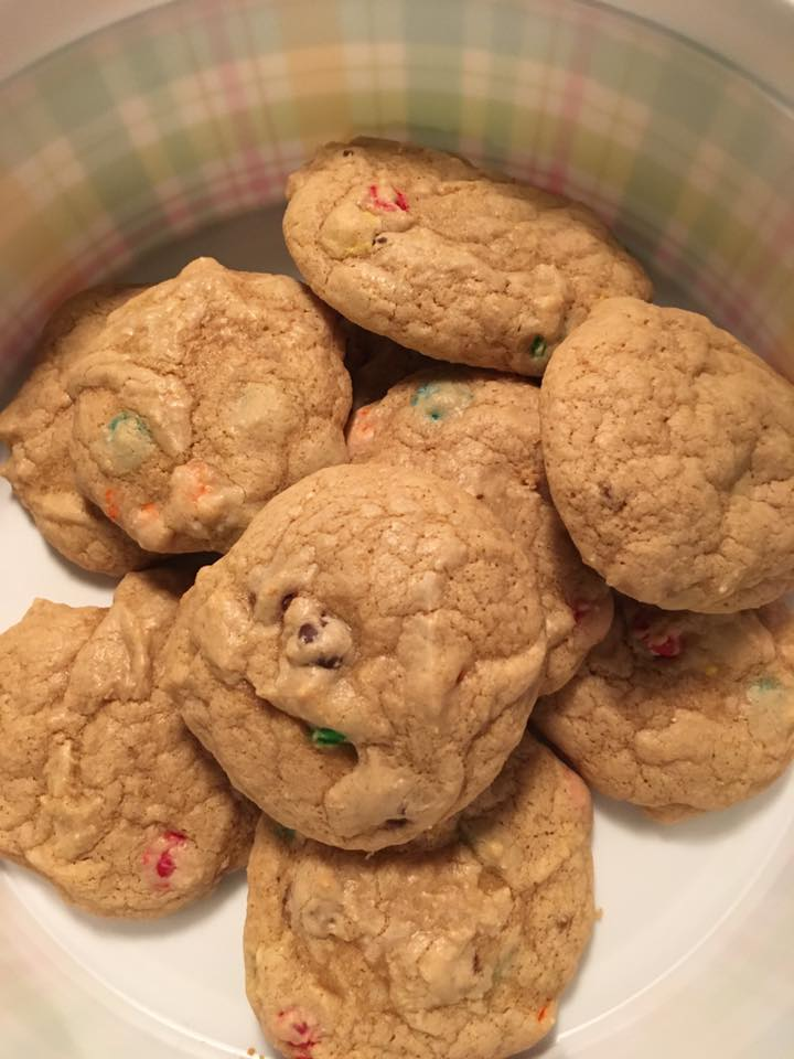 rainbow chocolate chip cookies by @michellep