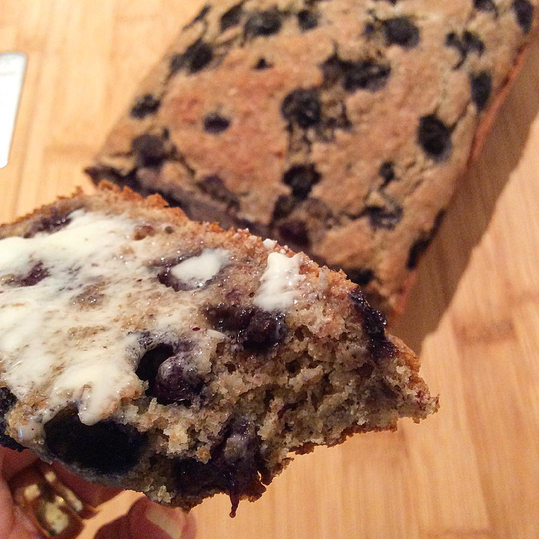 blueberry buttermilk banana bread by @plantbased_daria