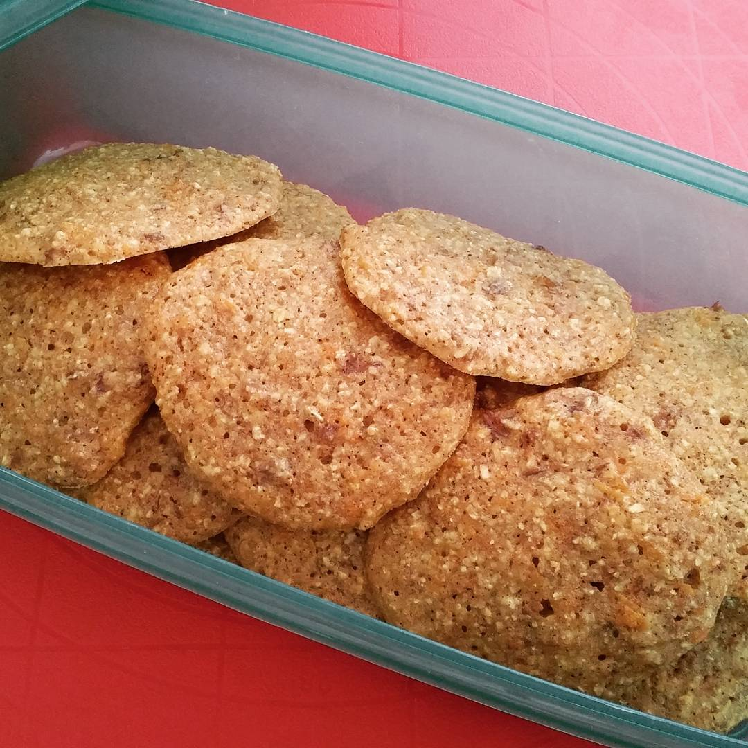 carrot cake oatmeal cookies by @payapon27