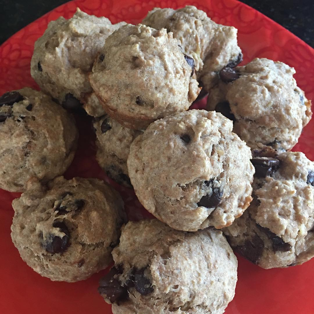 healthy chocolate chip mini muffins by @ssoreano
