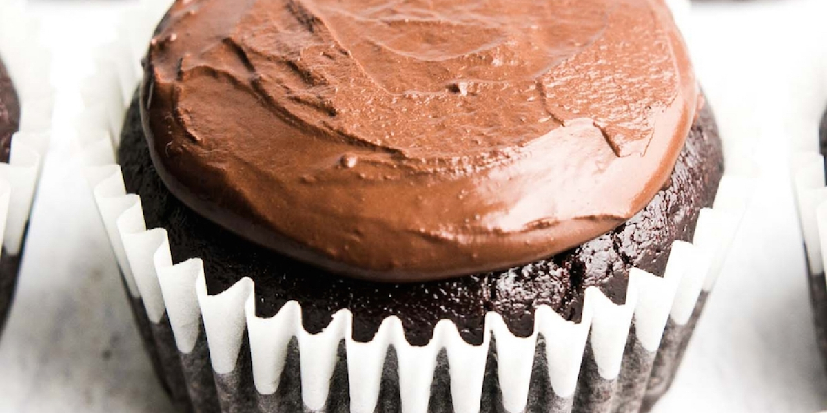 clean-eating_ultimate-healthy-chocolate-cupcakes_f-LL