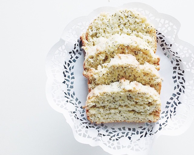 lemon poppy seed loaf cake by @anastasia.efimova