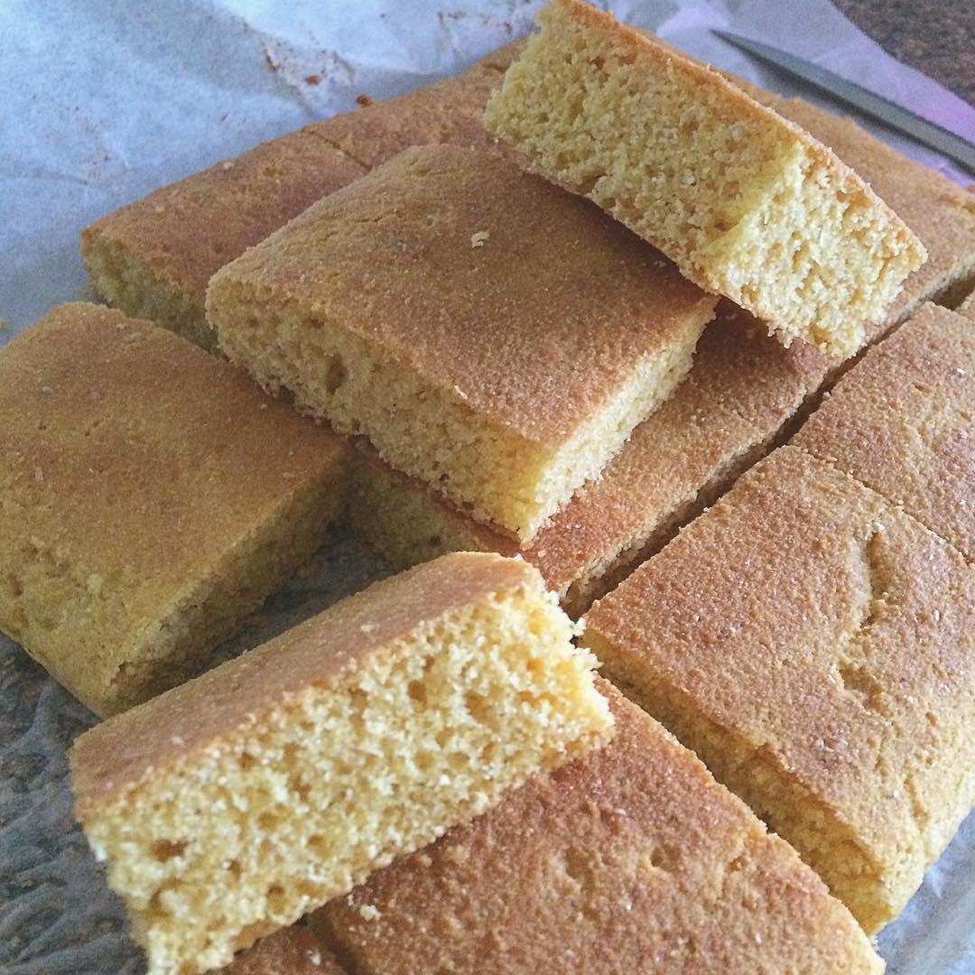 the ultimate healthy cornbread by @awemanda