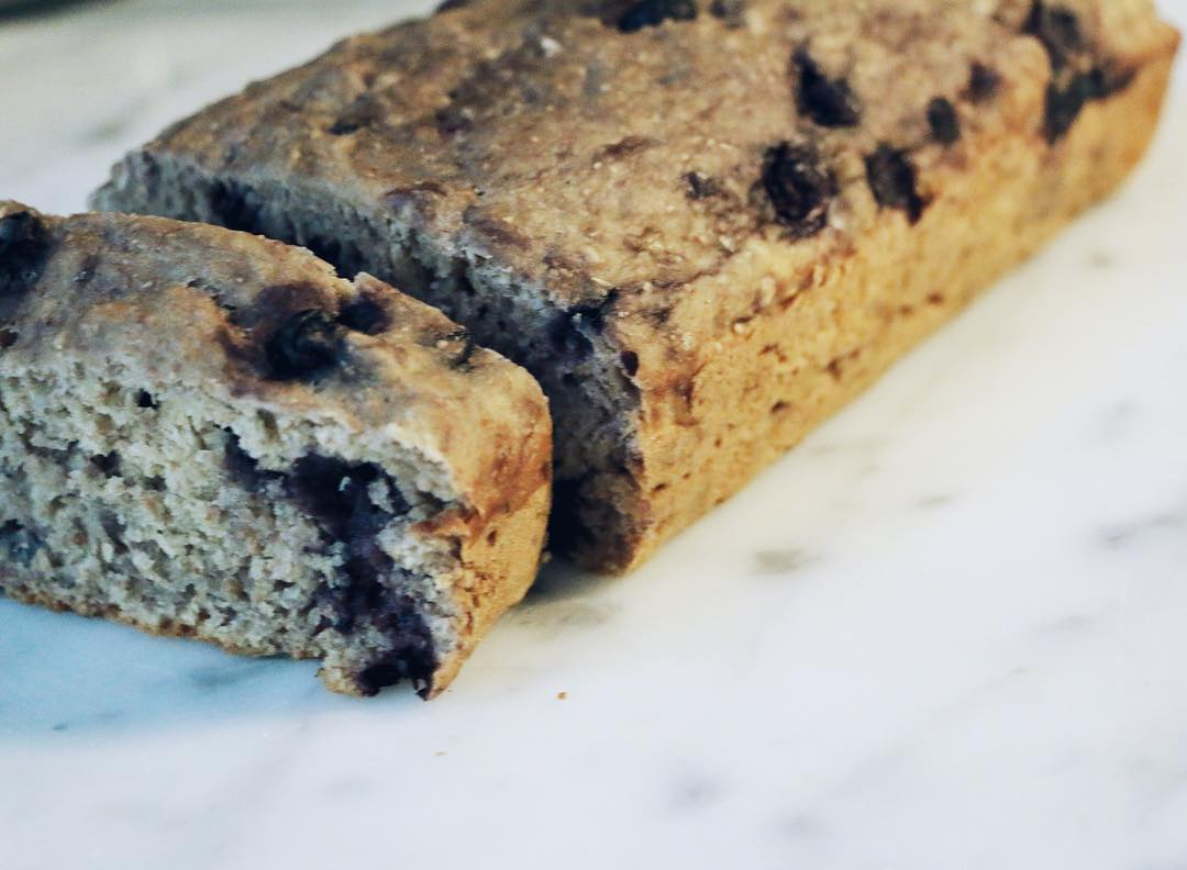 healthy blueberry banana bread by @licksbakes