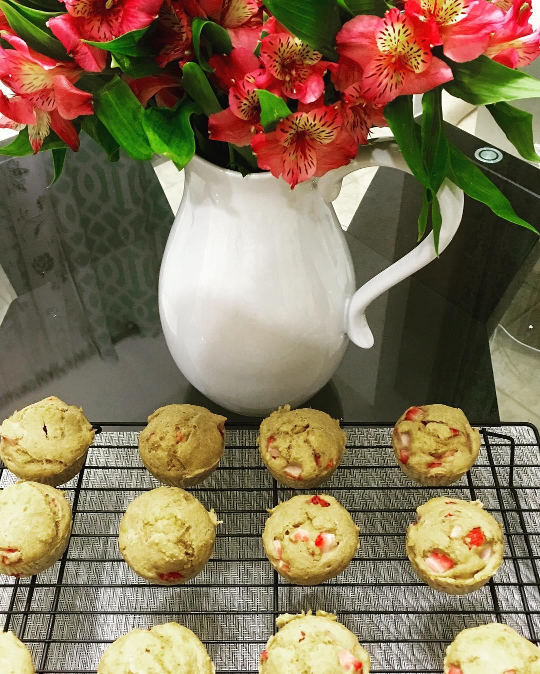 whole wheat strawberry banana muffins by @palatester