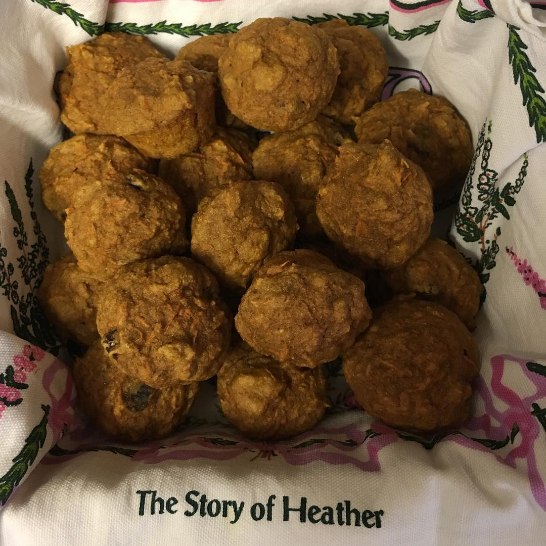 healthy carrot cake mini muffins by @lovecamping