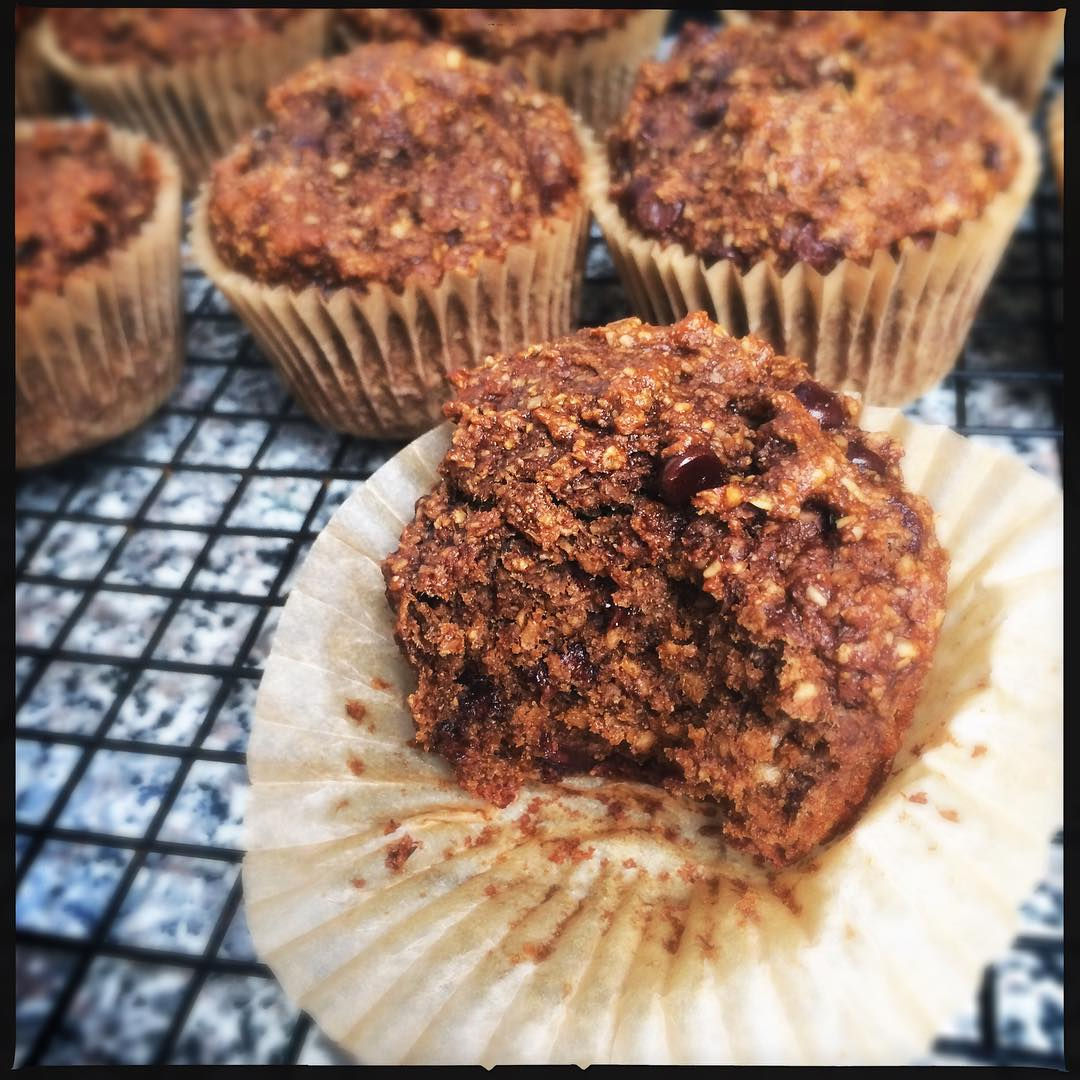 chocolate chip banana bran muffins by @anna_face