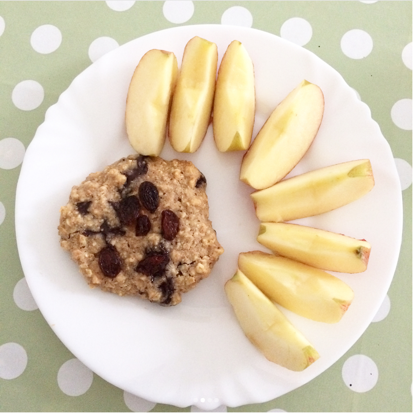 chocolate chip peanut butter oatmeal cookies {with raisins too!} by @emily.ana_recovery