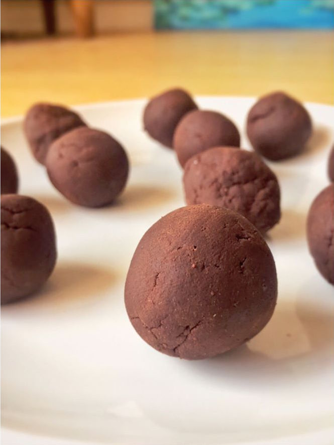 healthy dark chocolate mocha truffles by @absent_without_gauze