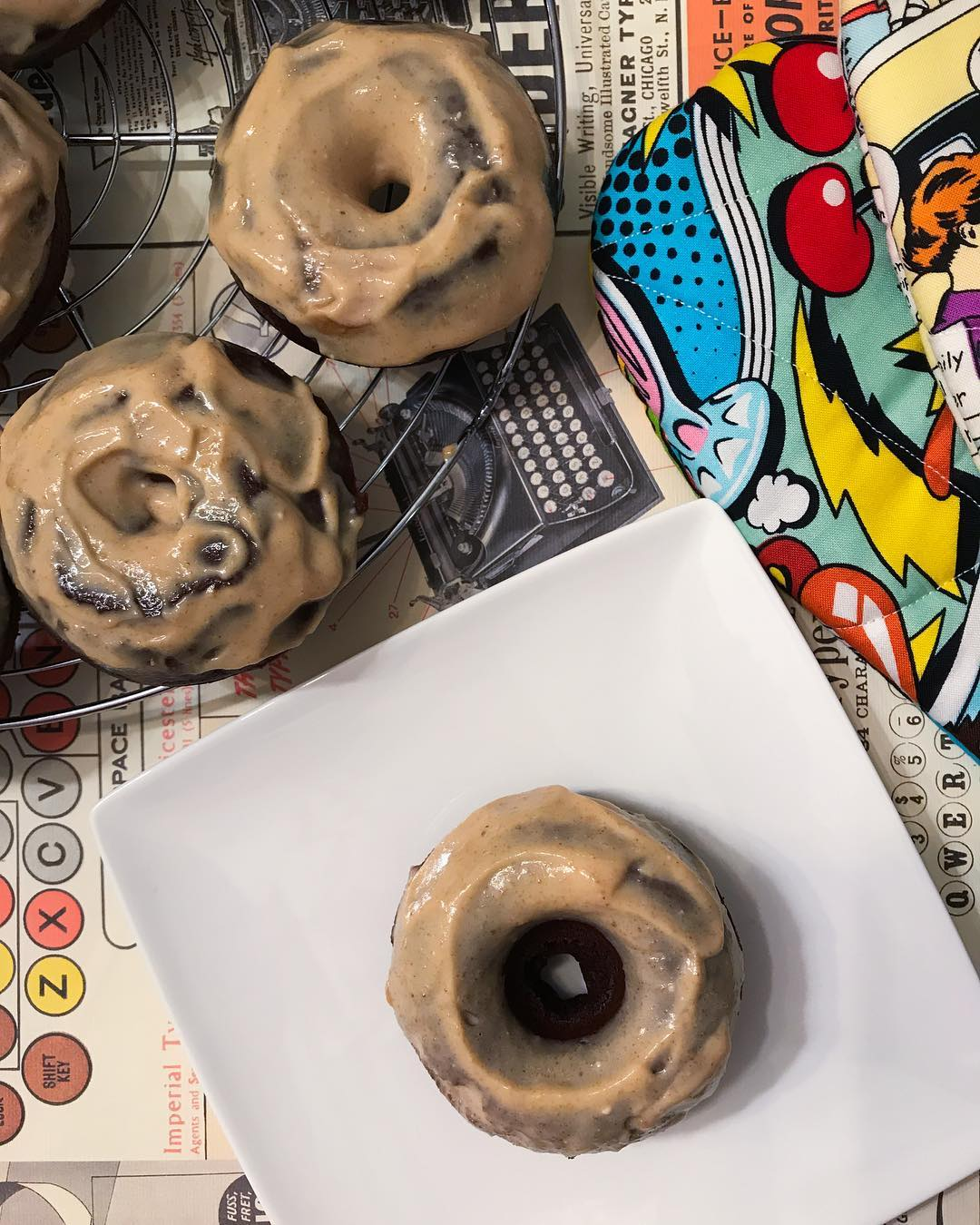 healthy dark chocolate peanut butter donuts by @nadiahkimie