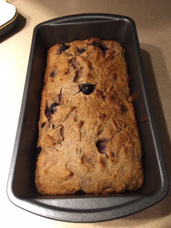healthy blueberry lemon breakfast loaf by @barbarahoch