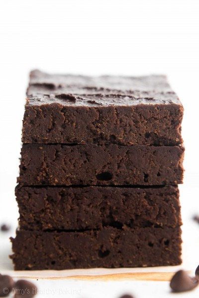 Healthy One-Bowl Fudgy Brownies {Recipe Video!}