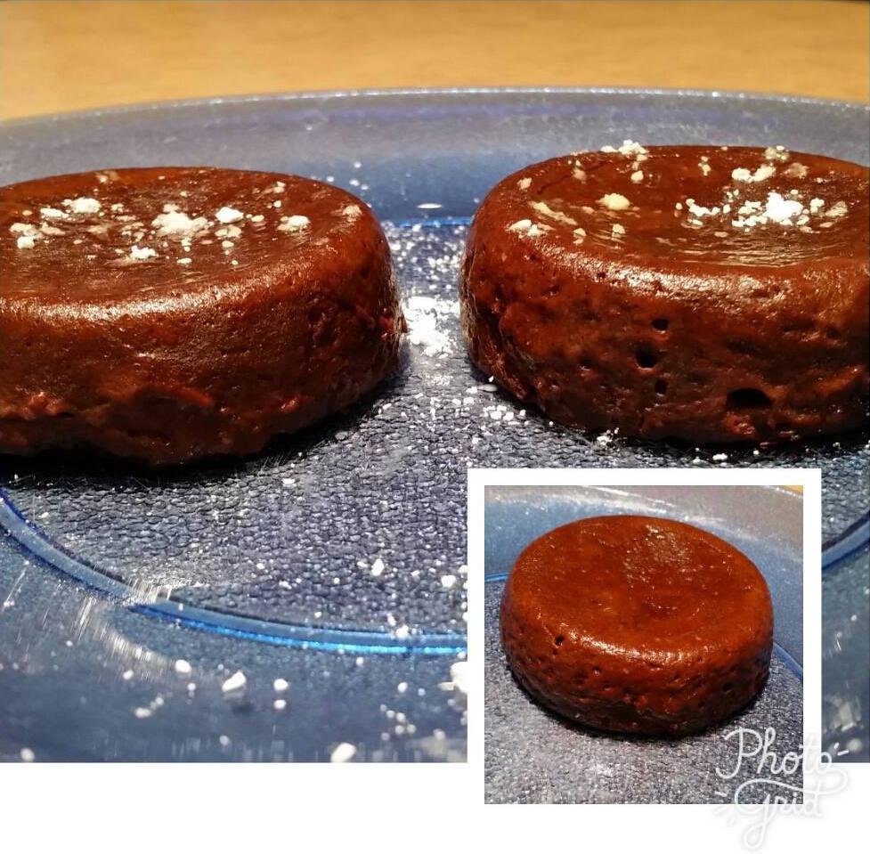 healthy single-serving fudge brownie by @ldblakeley