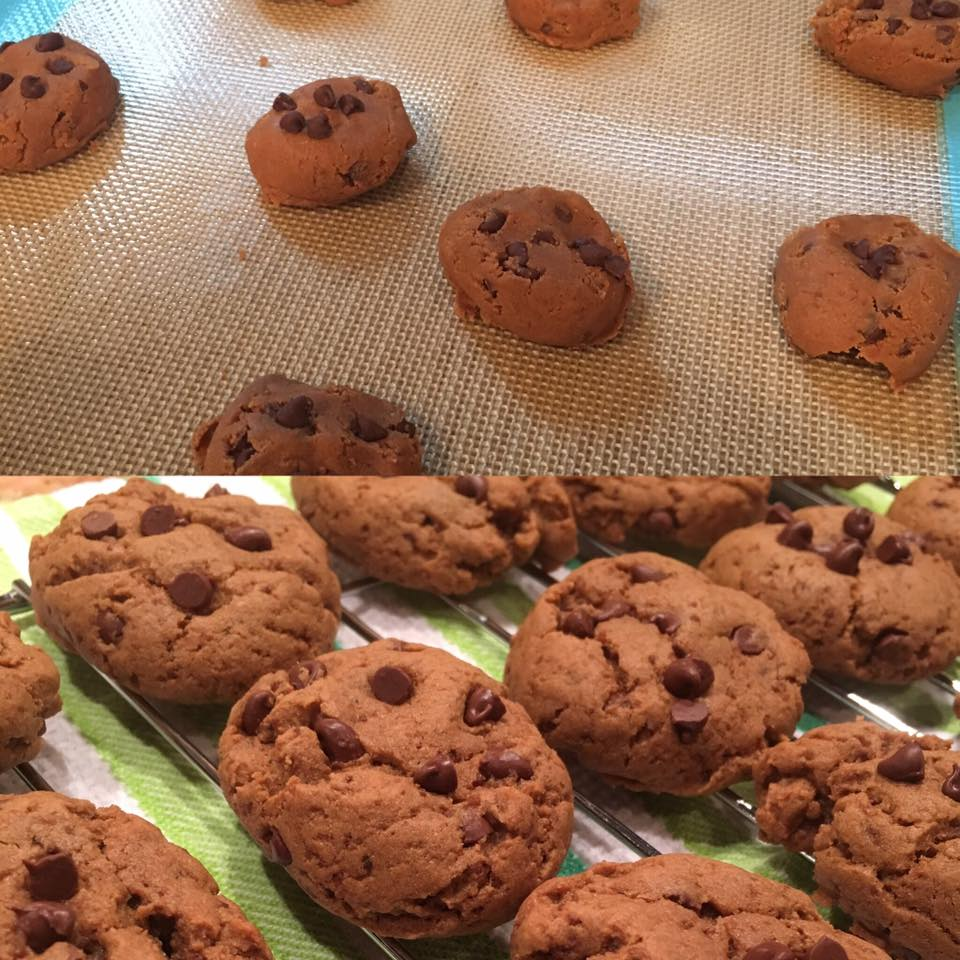 the ultimate healthy soft & chewy egg-free chocolate chip cookies by @kaylalynne