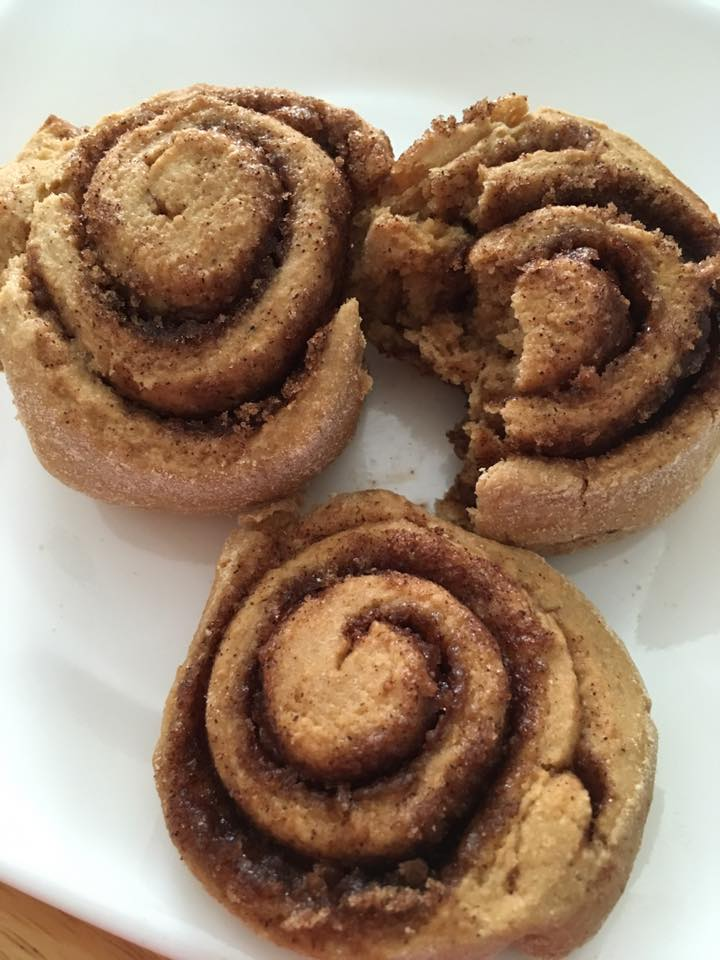 45-minute healthy cinnamon rolls by @michelledp