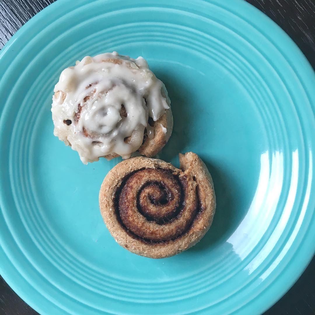 45-minute healthy cinnamon rolls by @vegoutdetroit