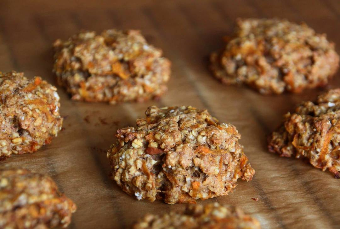 carrot cake oatmeal cookies by @attoo__