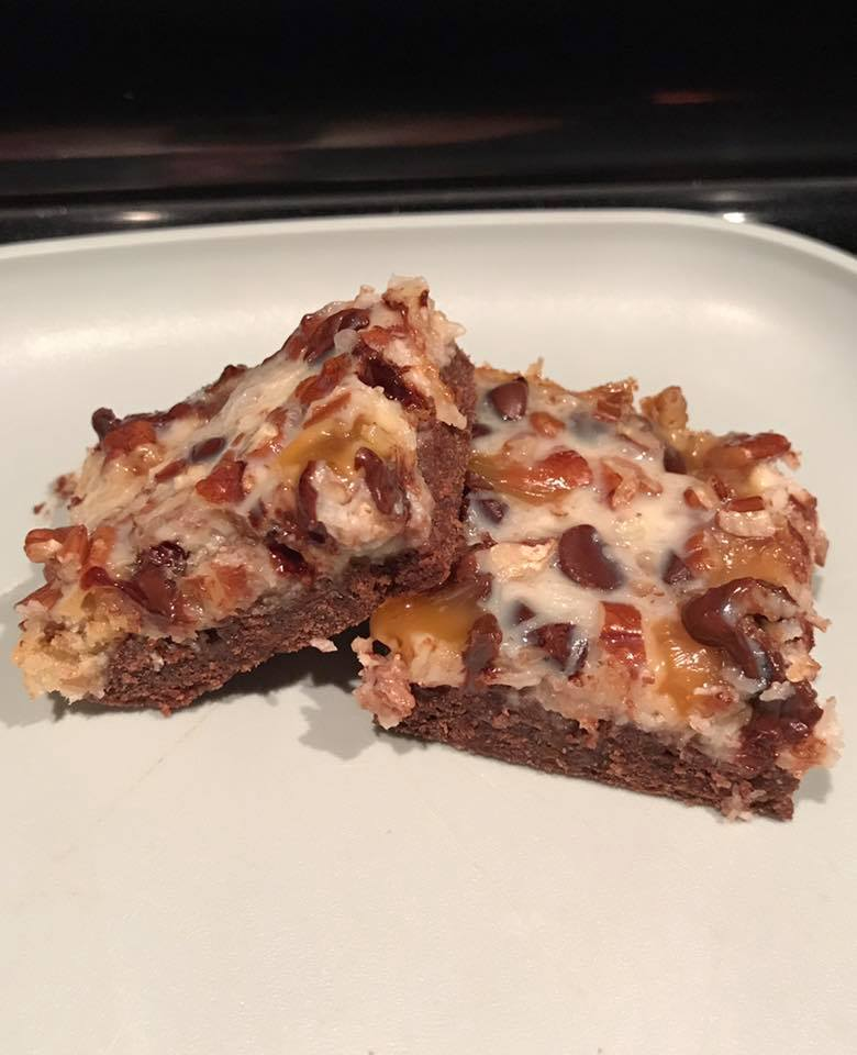 skinny chocolate caramel seven layer bars by @virginianolan