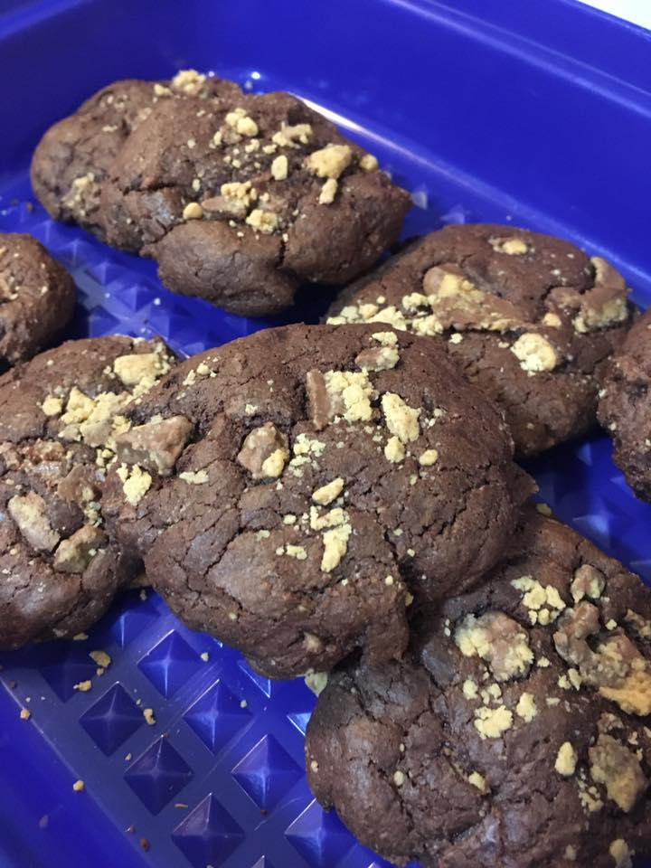 chewy peanut butter cup chocolate cookies by @michelledp