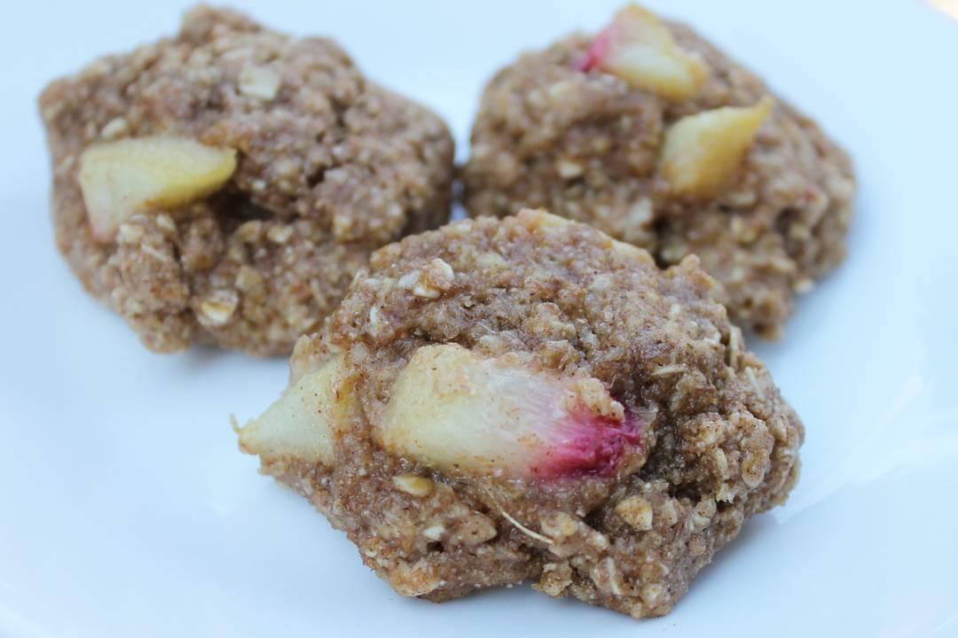 peach pie oatmeal cookies by @southernsparklega