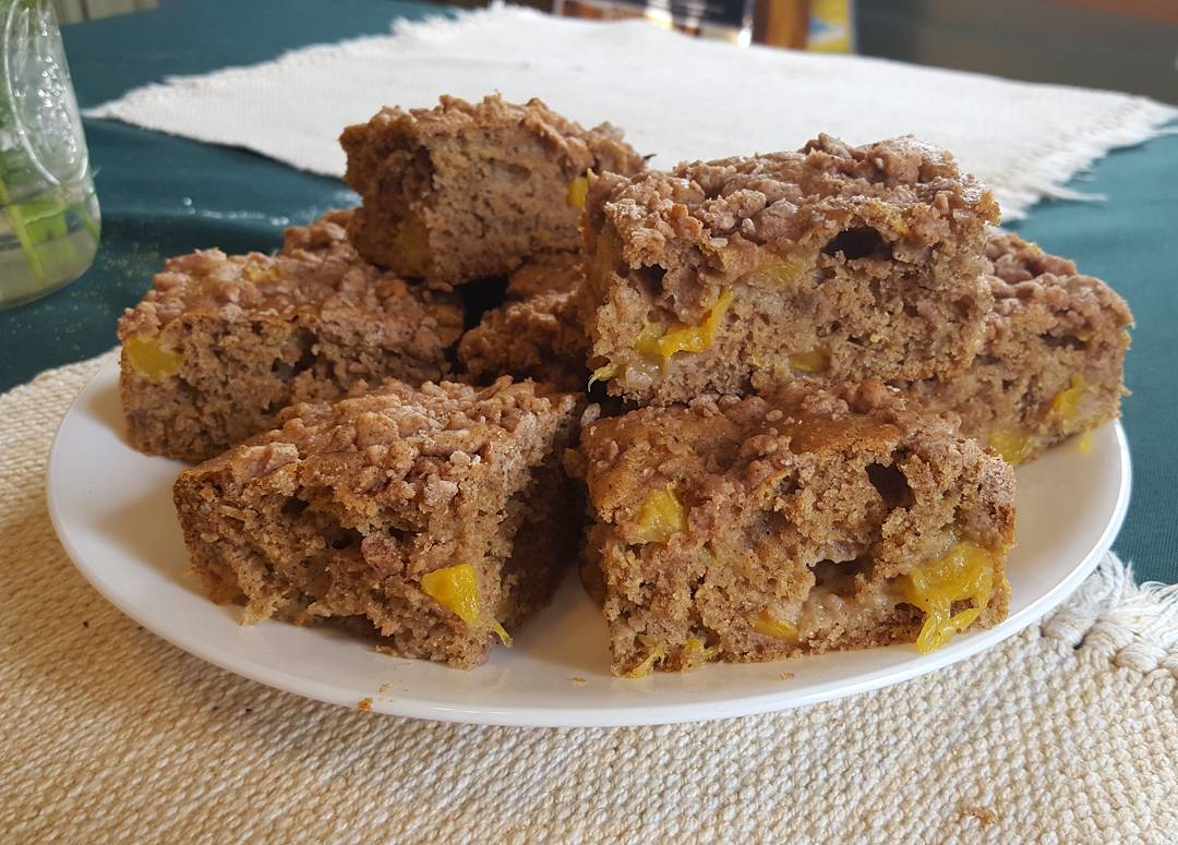 peach streusel coffee cake by @catetate21