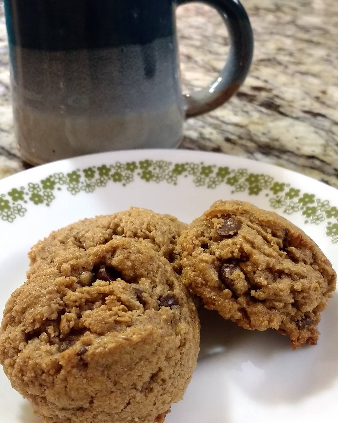 the ultimate healthy soft & chewy egg-free chocolate chip cookies by @pals.per.pound