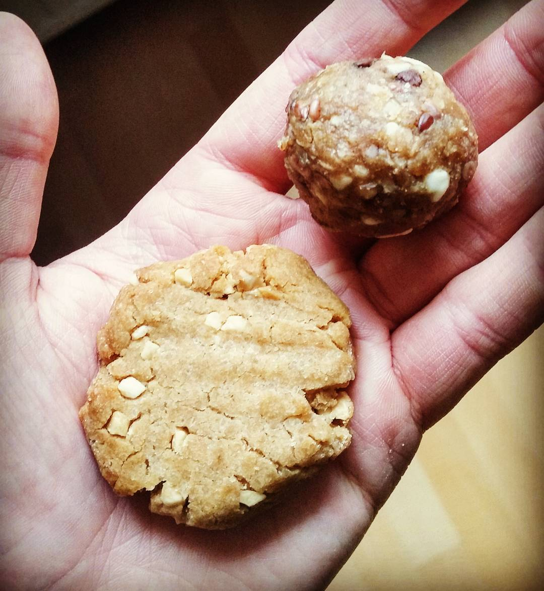 the ultimate healthy soft & chewy peanut butter cookies by @mj_gingersnap