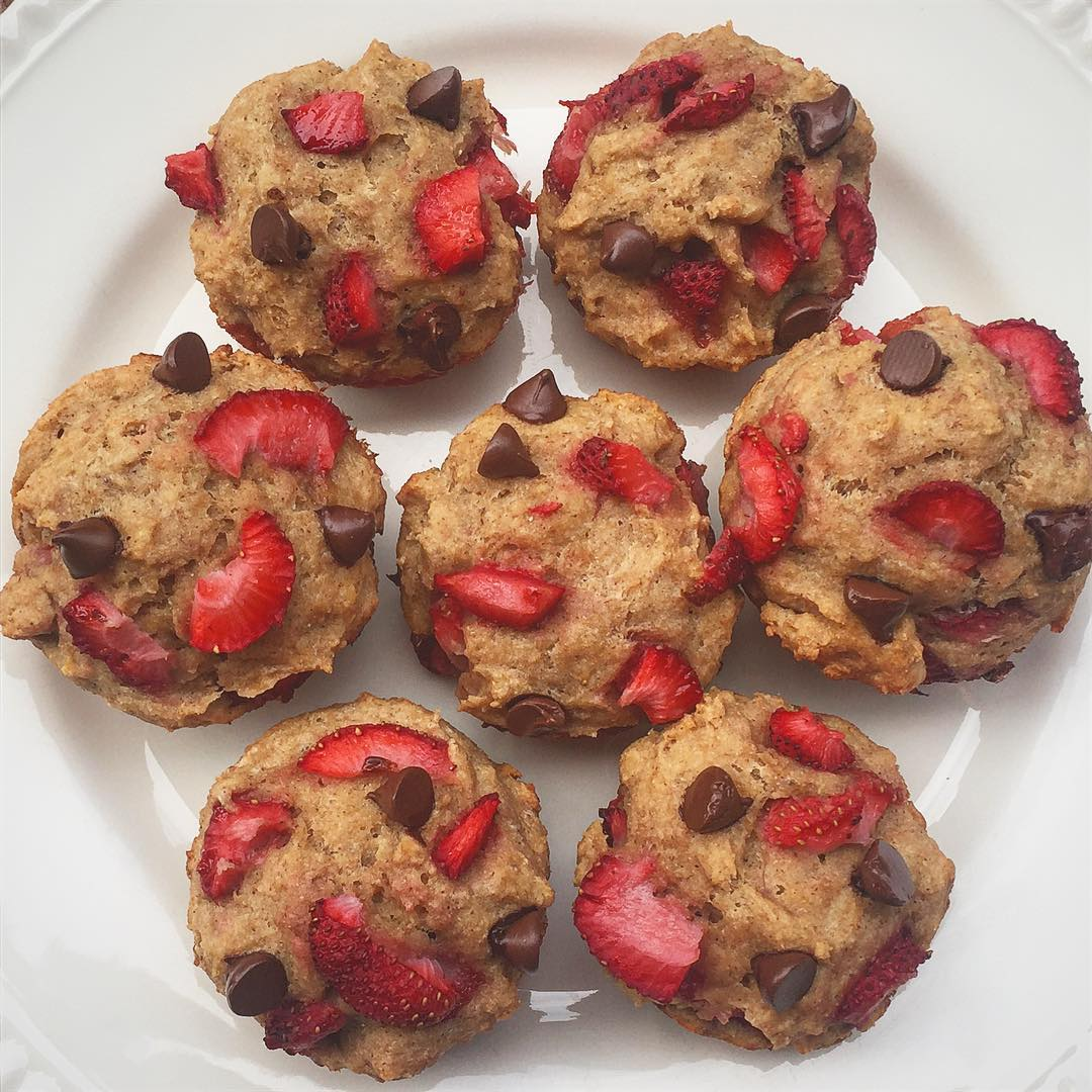 whole wheat strawberry banana muffins {with chocolate chips too!} by @wholesomeeatsgvl