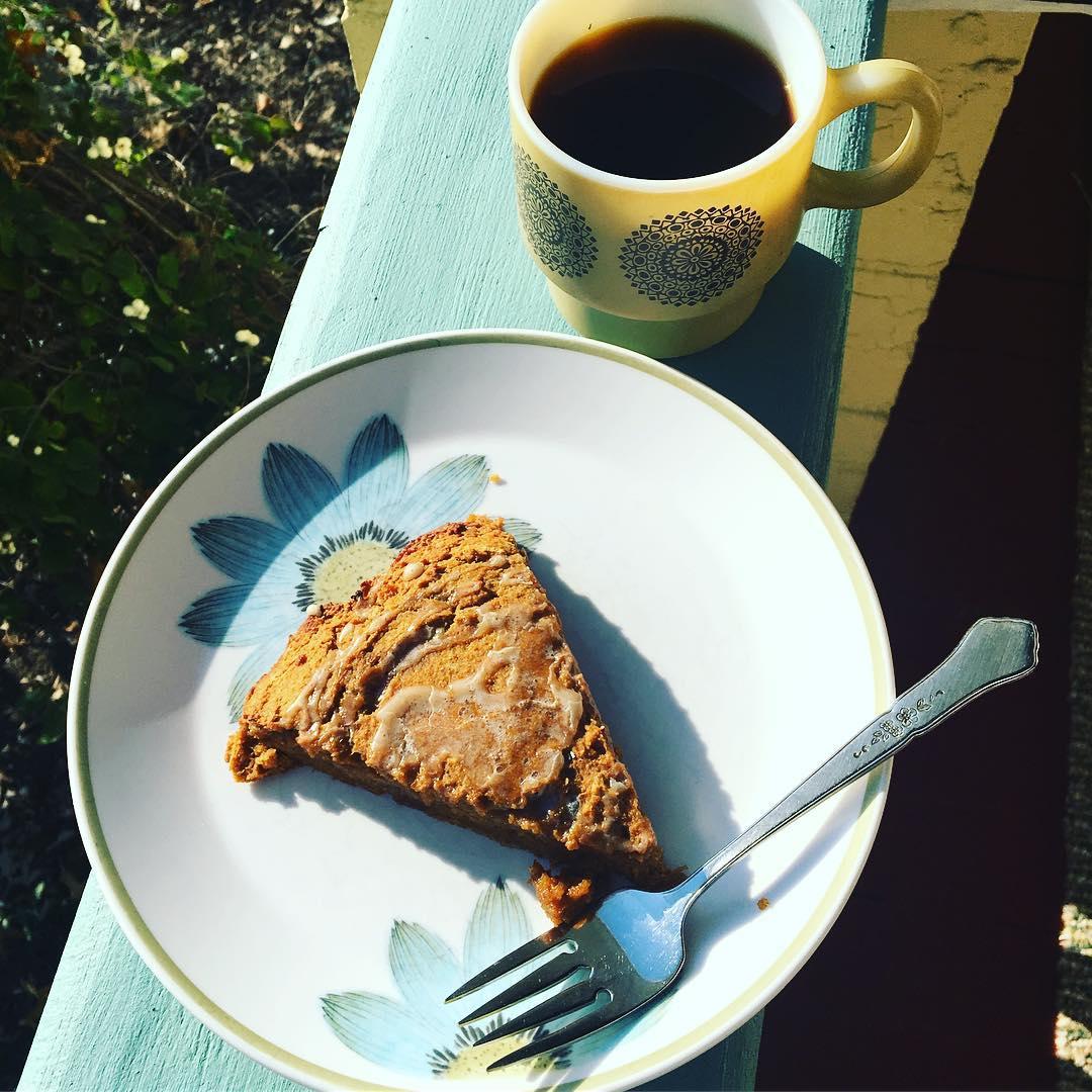 healthy pumpkin spice latte scones by @fitmomof3girls