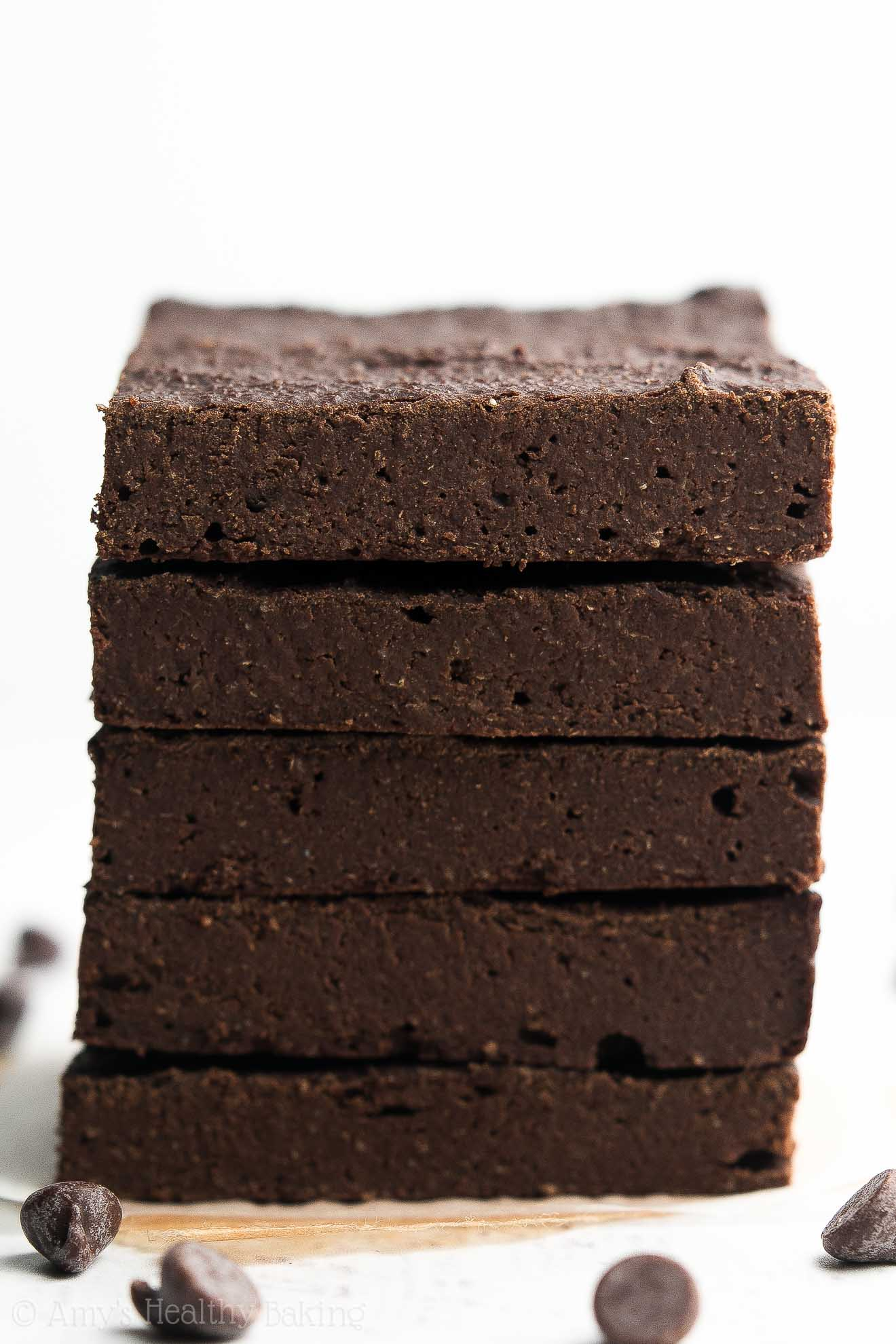 {HEALTHY!} Sugar-Free Fudgy Dark Chocolate Brownies -- only 41 calories! These literally taste like squares of fudge! SO GOOD! And really easy to make too! #recipe