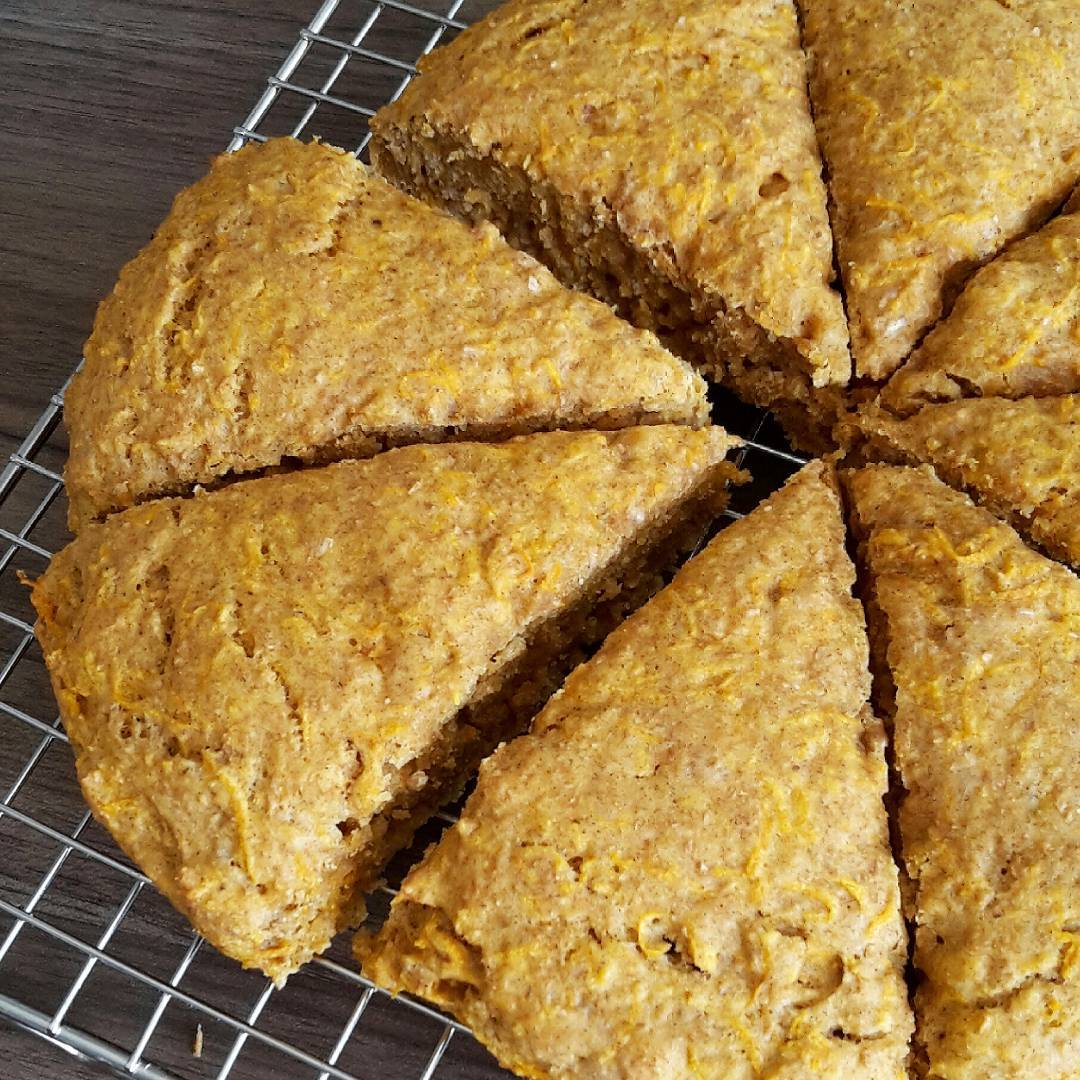 healthy carrot cake scones by @claras_keksfabrik