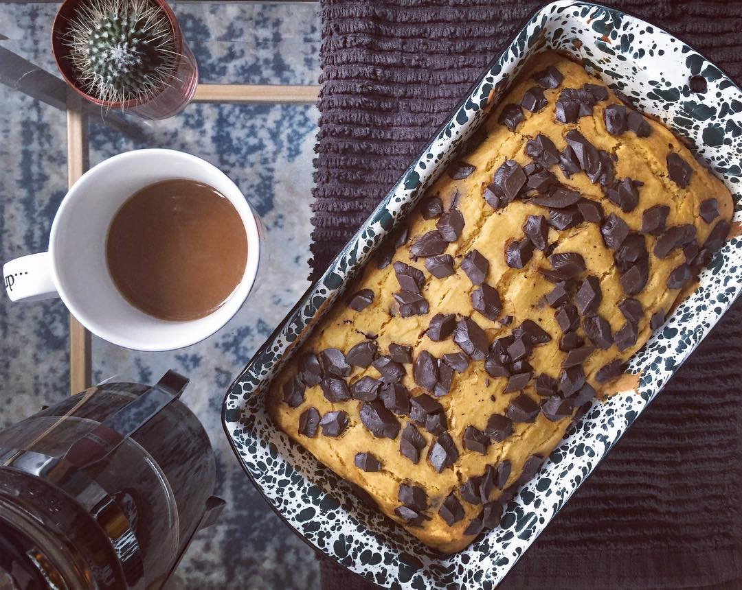 healthy chocolate chip pumpkin bread by @knotsandneedles
