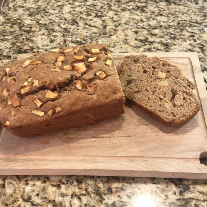 healthy cinnamon apple banana bread by @rachelwillson