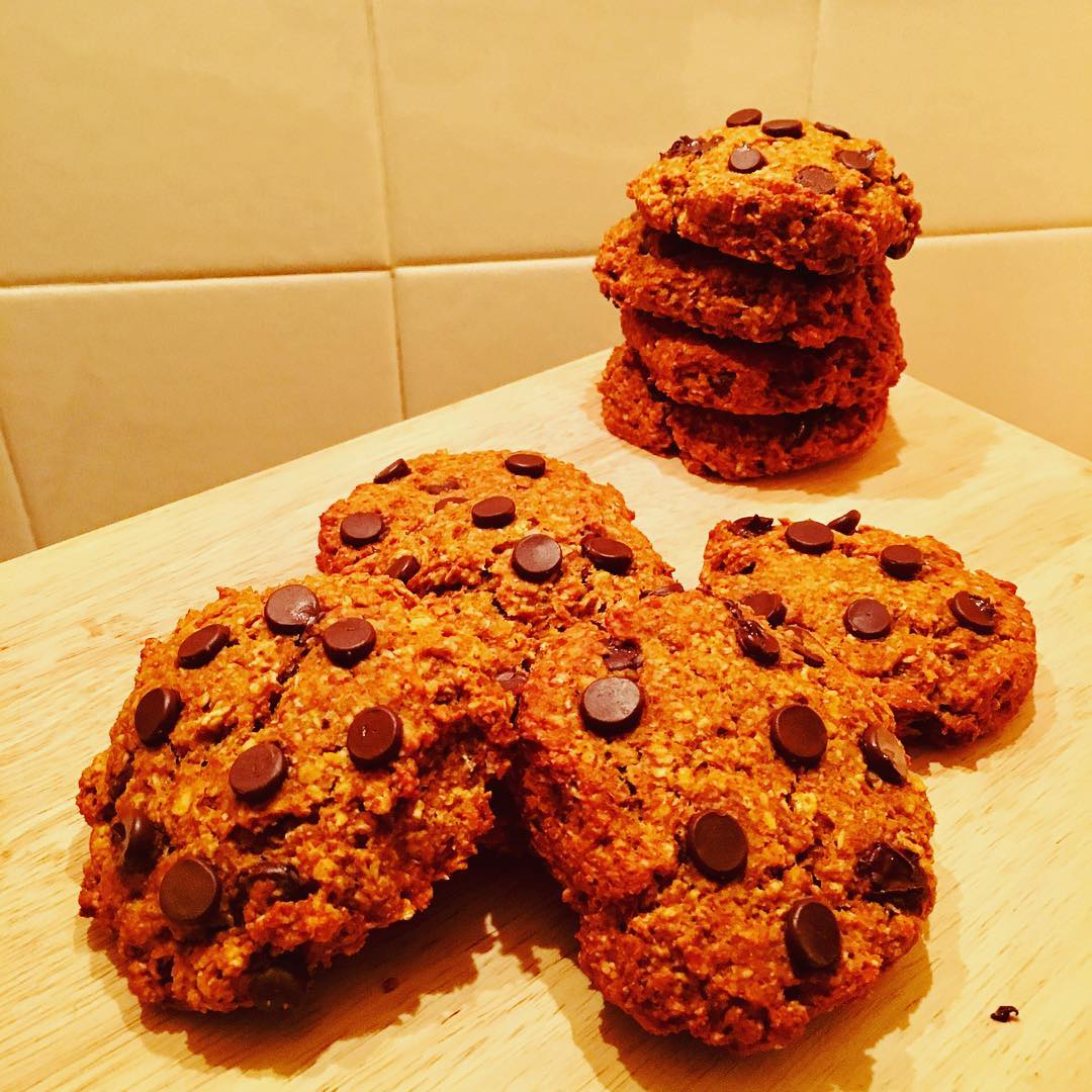 pumpkin pie chocolate chip oatmeal cookies by @weejennywren