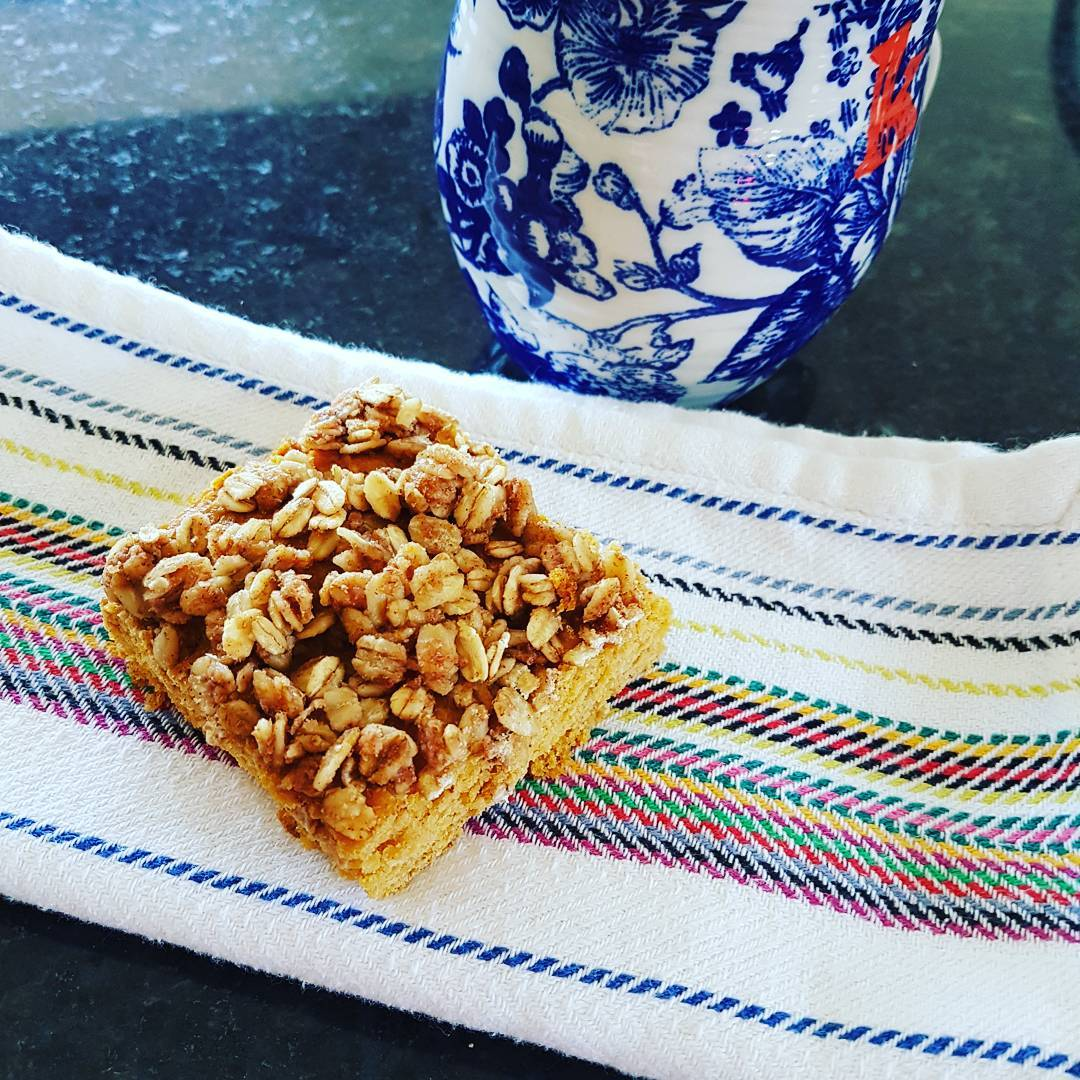 slow cooker pumpkin streusel coffee cake by @julie_am_mcneill