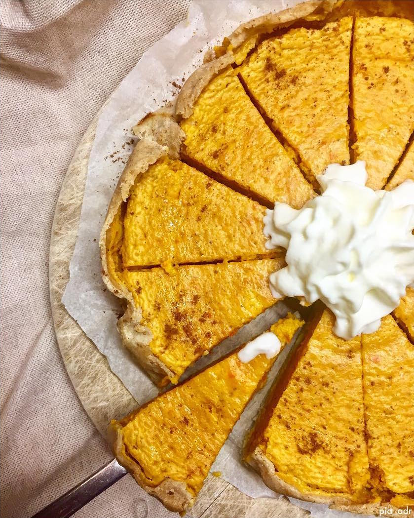 the ultimate healthy pumpkin pie by @pia_adr