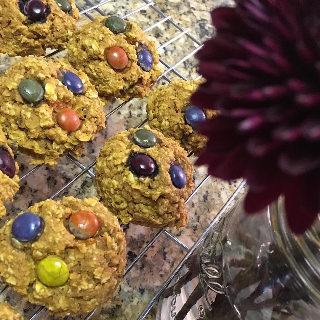 healthy pumpkin monster cookies by @fit_fiesty_foodlovingmama
