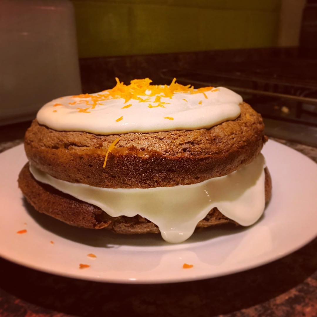 the ultimate healthy carrot cake by @elishactive