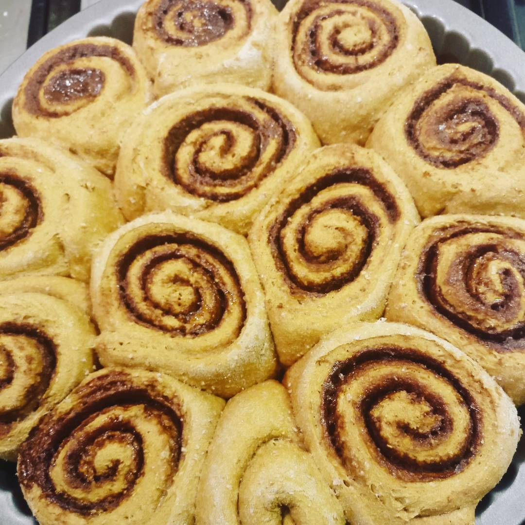 the ultimate healthy cinnamon rolls by @moni1509