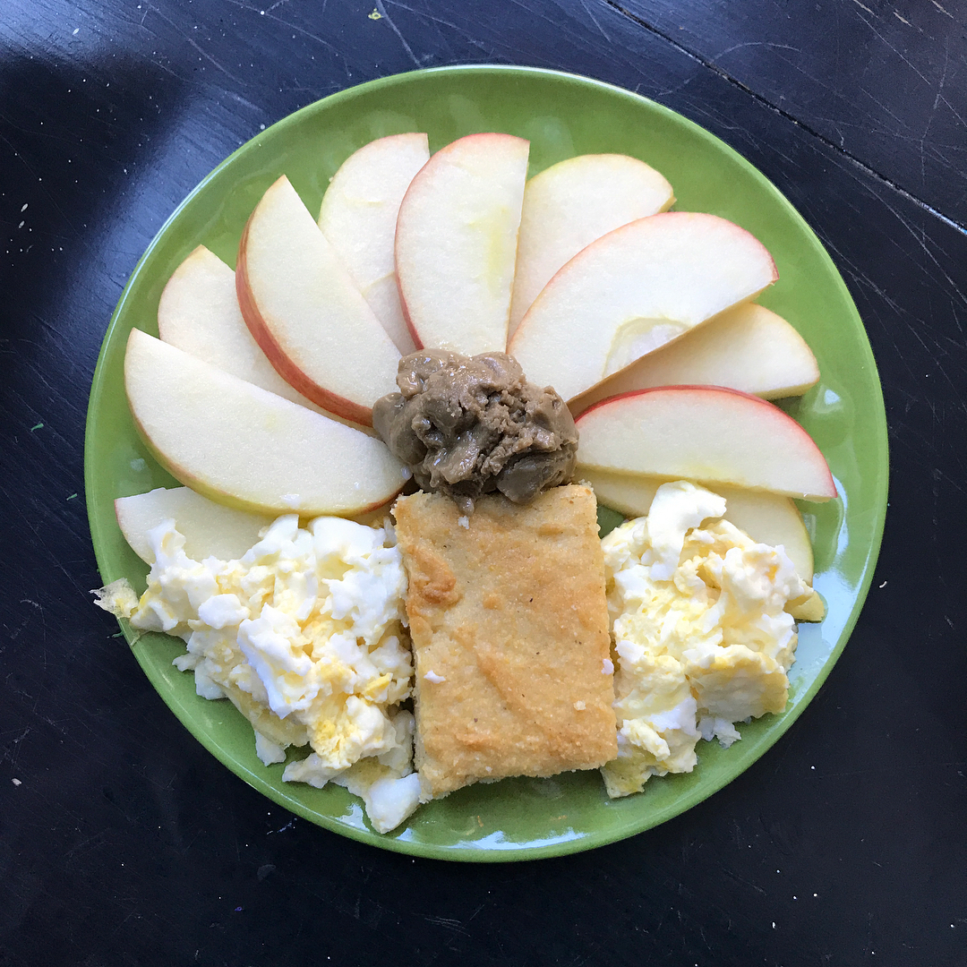 the ultimate healthy cornbread by @fightforlifelauren