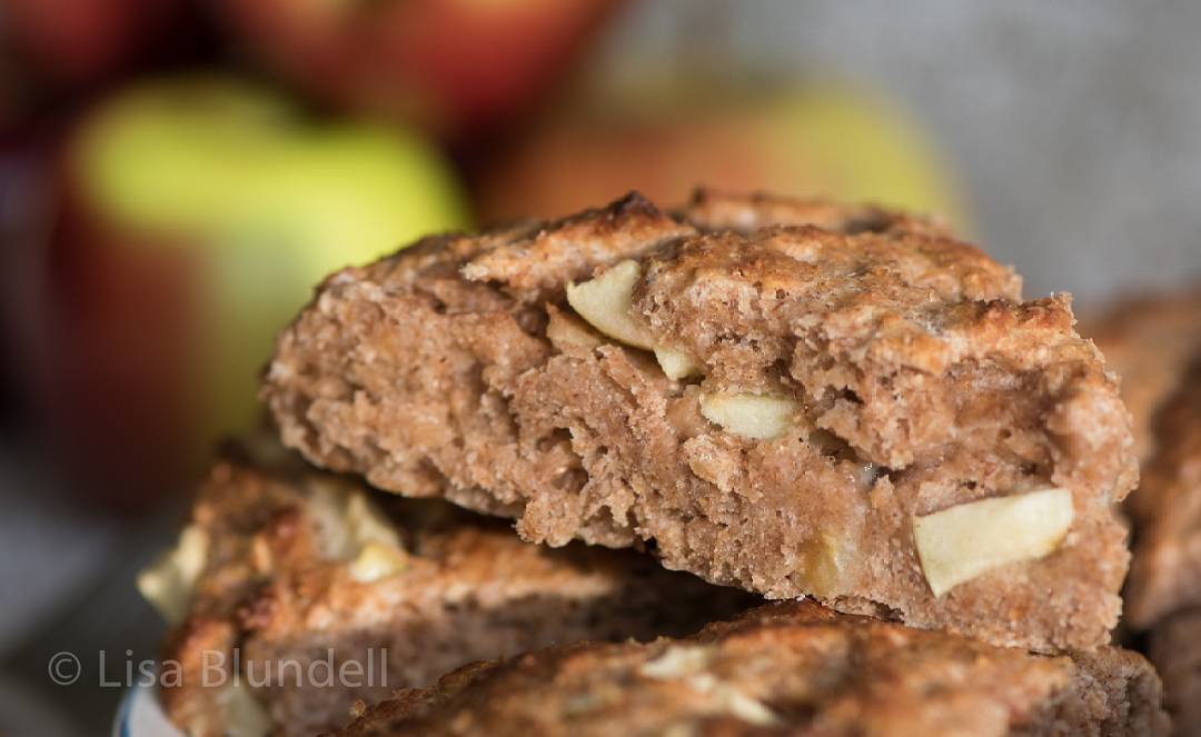 healthy apple pie scones by @lisabluofficial