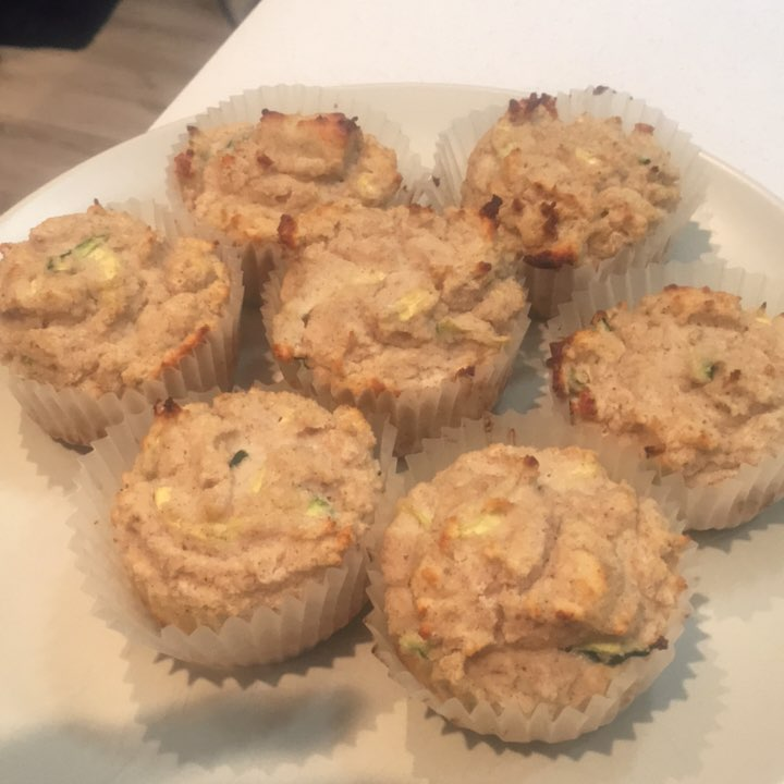 healthy zucchini bread protein muffins by @janisnoftle