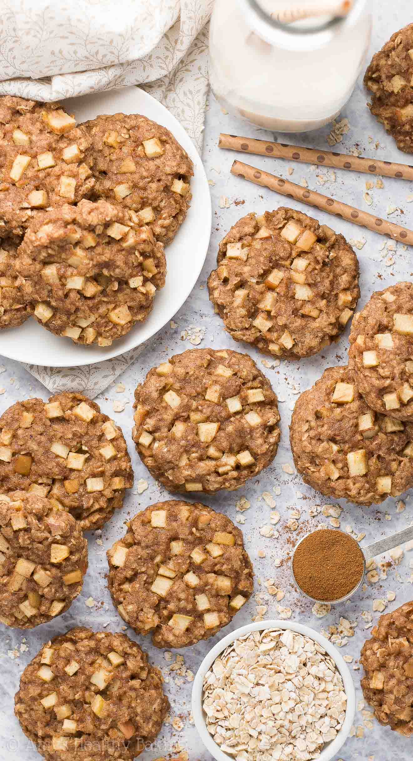 Healthy Apple Pie Oatmeal Breakfast Cookies