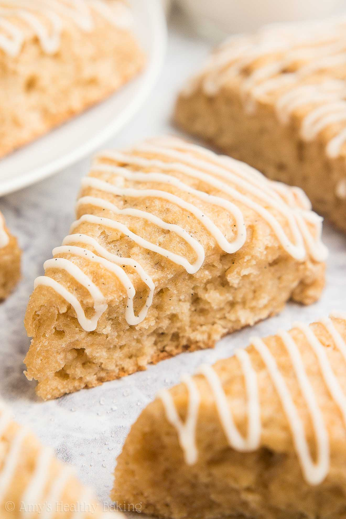 {HEALTHY!} Copycat Petite Vanilla Bean Scones -- only 67 calories! They're easy to make & taste SO GOOD! I'm never buying them from Starbucks again!