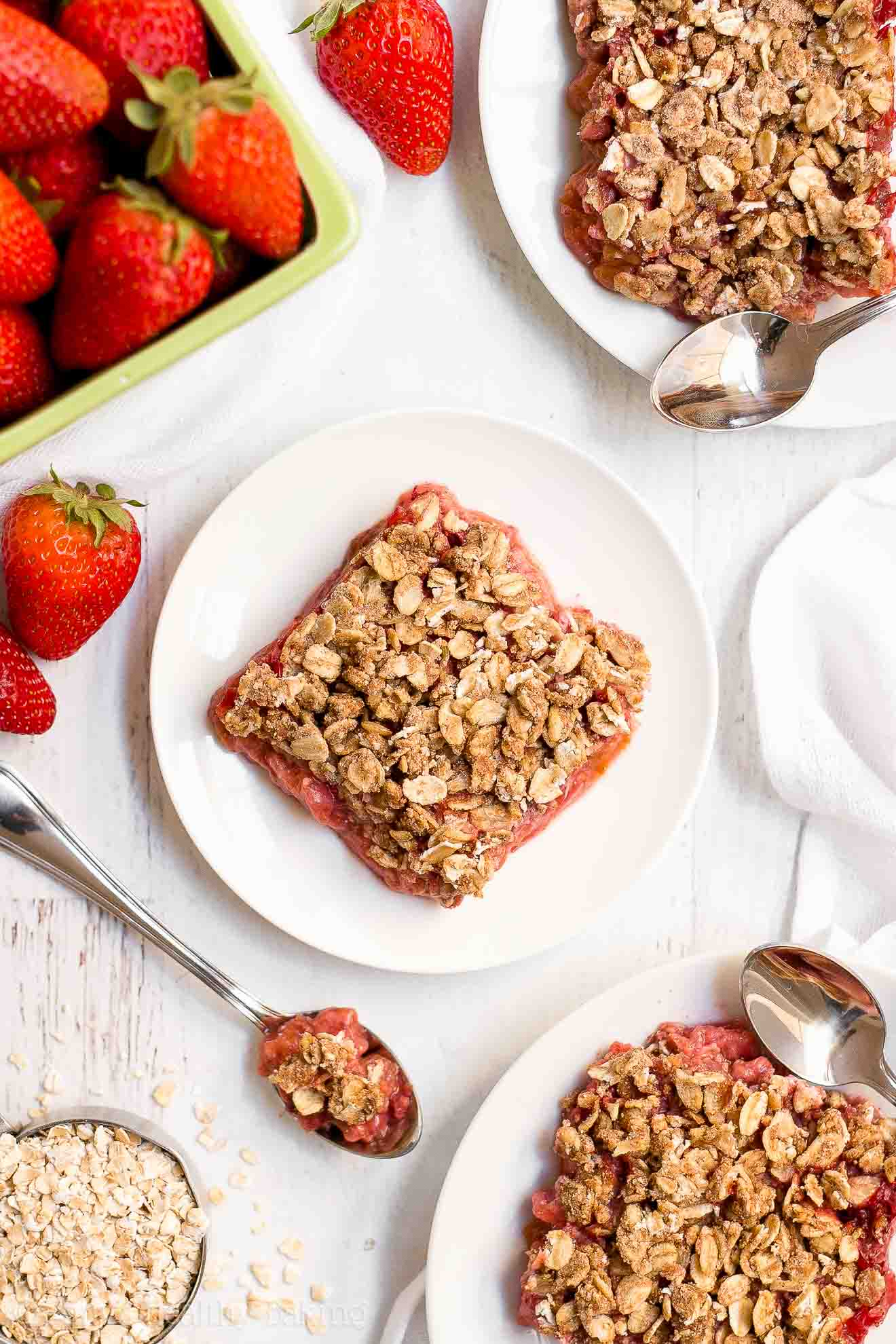 Easy Healthy Low Sugar Strawberry Rhubarb Crumble