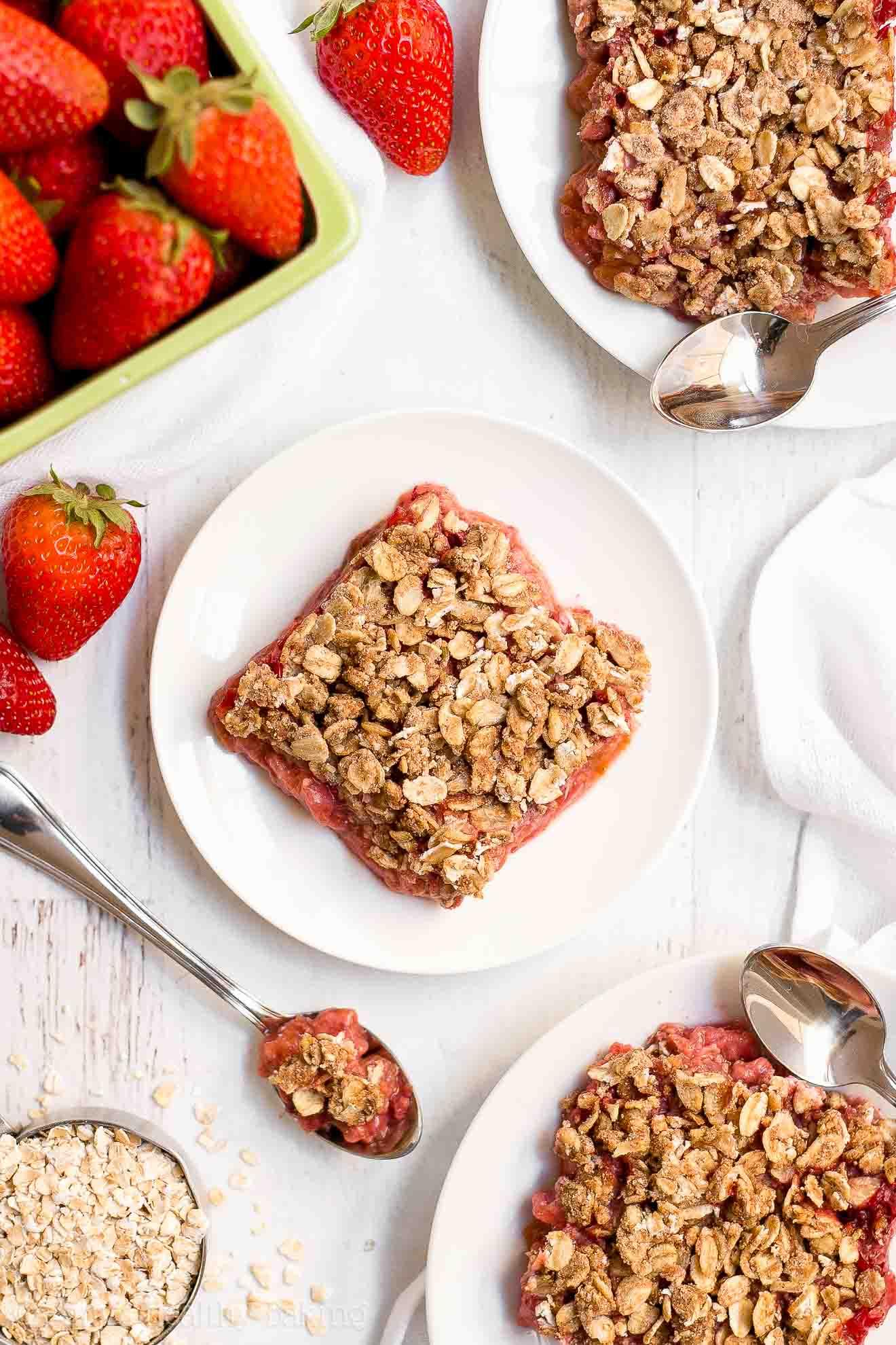 Easy Healthy Low Sugar Strawberry Rhubarb Crumble