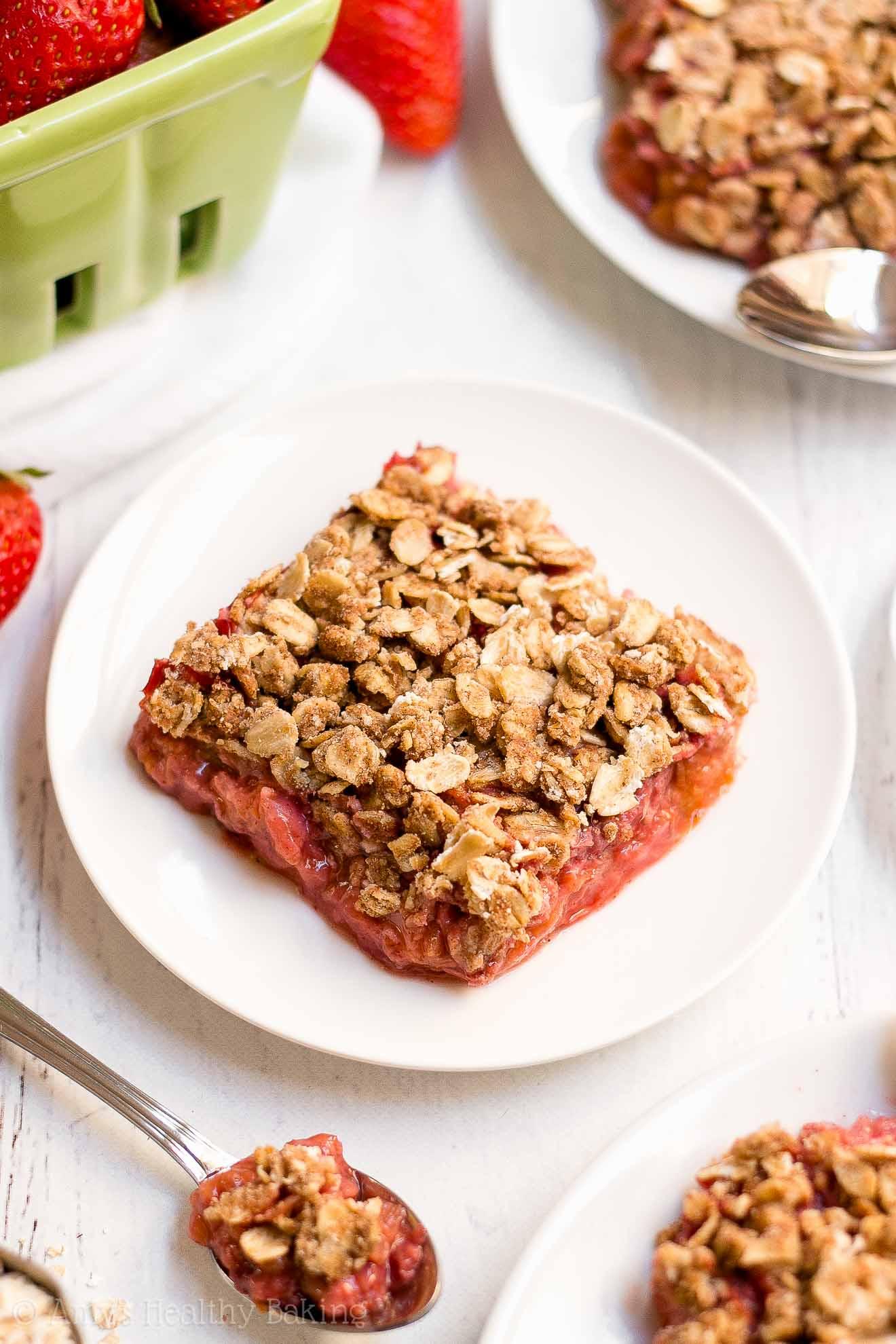 Easy Healthy Gluten Free Strawberry Rhubarb Crumble
