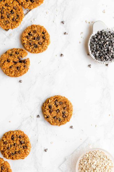 Healthy Flourless Pumpkin Chocolate Chip Oatmeal Protein Cookies