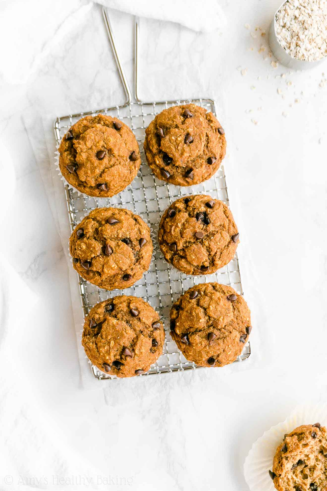 Easy Healthy Low Sugar Low Calorie Pumpkin Chocolate Chip Oatmeal Muffins